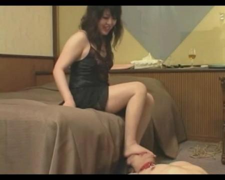 Is ryan seacrest bisexual