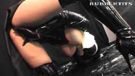 latex bizarre vakuumpumpe pussy